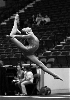 |    moved from Kythoni's Gymnastics board: http://pinterest.com/kythoni/gymnastics/ m.49.4 #KyFun grace form gymnast black and white photography beautiful floor exercise