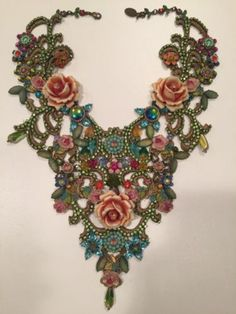 Michal-Negrin-Baroque-Style-Swarovski-Crystals-Beads-Roses-Flowers-Lace-Necklace