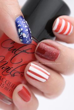 4th of July nails - love the idea of a sparkle polish for stars