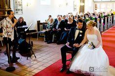 #Hochzeitssängerin #Saengerin #Sängerin #Hamburg #Singer #Hochzeit #Wedding #Weddingsinger #Vocalist #Voice #voicetalent #talent=> #JasminRathcke #Lüneburg. Feierliches Highlight durch #Hochzeitsgesang. I love what I do. Feel free to make a booking request. Sprecht mich gerne wegen Buchungsanfragen an. Photo by: #PinkPixel (Paola Cermak).