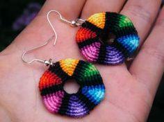 Circle earring by Teszugi on DeviantArt Macrame Earrings, Macrame Jewelry, Crochet Earrings, Macrame Tutorial, Micro Macrame, Circle Earrings, Loom, Weaving, Diy Crafts