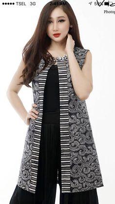 Batik Blazer, Blouse Batik, Batik Dress, Fashion Drawing Dresses, African Fashion Dresses, Outer Batik, Batik Kebaya, Batik Fashion, Pakistani Dresses Casual