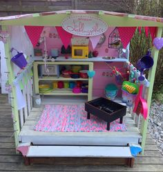 Should I Be Worried About Toxoplasmosis In My Kids Sandbox? Kids Playhouse With Slide, Kids Outside Playhouse, Kids Sandbox, Pallet Playhouse, Playhouse Outdoor, Backyard Playground, Backyard For Kids, Kids Play Area, Kids Room