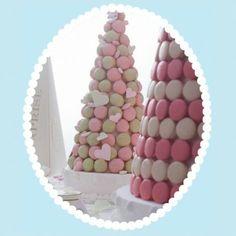 Who needs a wedding cake when you can have a croquembouche? Or if you can't afford that, bake and ice a normal cake, then cover with macarons. Macaroon Tower, Macaroon Cake, Laduree Macaroons, French Macaroons, Croquembouche, Wedding Desserts, Wedding Cakes, Macaron Dessert, Sweet Trees