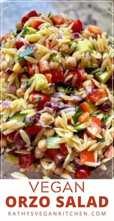 Greek orzo pasta salad recipe is loaded with fresh, crunchy vegetables, with an oil-free lemony dressing. All these refreshing summer flavors taste like summer in a bowl. Orzo Pasta Recipes, Vegan Pasta, Pesto Pasta, Delicious Vegan Recipes, Healthy Recipes, Healthy Salads, Amazing Recipes, Eating Healthy, Healthy Eats