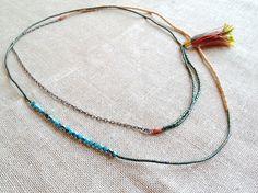 Bloc de couleur, délicat un-de-collier long