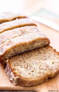 Glazed Banana Bread Recipe, Homemade Banana Bread, Banana Bread Recipes, Banana Bread With Glaze, Super Moist Banana Bread, Easy Banana Bread, Chocolate Chip Banana Bread, Quick Bread, Deserts