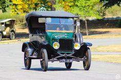 #Ford #T à la #Cité de l'#Automobile, Collection #Schlumpf, de #Mulhouse. Article original : http://newsdanciennes.com/2015/07/16/on-a-teste-pour-vous-la-collection-schlumpf/ #Cars #Museum #Voiture #Ancienne #Classic