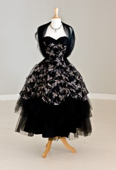 1950′S EMMA DOMB BLACK & GOLD TULLE PARTY/EVENING GOWN
