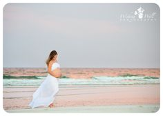 Beach Photoshoot | Maternity Photography | Outdoor | Pregnancy Photos | Pose Ideas | Photo Session Idea