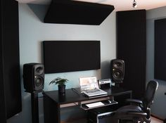 Minimal Studio- the essentials are corner bass traps, absorption behind the work…