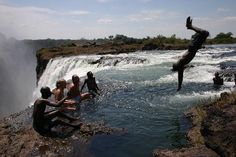 Devil's Pool: swimming on the edge...looks AMAZING (and a little scary)