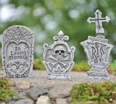 Set of 3 Grave Stones w/pick for Miniature Fairy Gardens