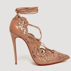 0bf42bb7c92a Marchesa X Christian Louboutin 2014 (yes both designers calibrated  together) Zapatos Animal Print