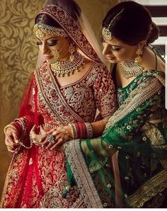 looks beautiful and beguiling in this ravishing detailed bridal ensemble and ostentatious jewellery ! Photography By :… Indian Wedding Gowns, Indian Bridal Wear, Desi Wedding, Wedding Looks, Bridal Looks, Wedding Attire, Indian Weddings, Indian Wear, Indian Style