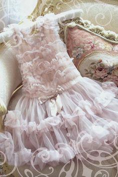 Jennelise ~ Look at all of those darling, sheer pink ruffles~❥ Vintage Shabby Chic, Shabby Chic Decor, Vintage Lace, Vintage Pink, Mauve, Mini Robes, Fru Fru, Vestidos Vintage, Glamour