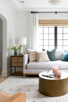 Best Tips Decorating a Small Living Room