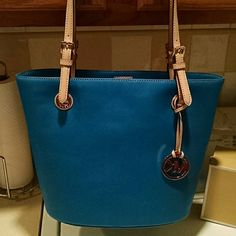 MK tote Gorgeous teal blue jet set tote Michael Kors Bags Totes