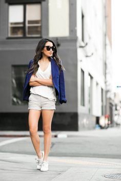 nice Casual and Pretty Look with These 40+ White Sneaker Outfits