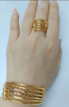 Latest gold bracelet and ring designs - Simple Craft Ideas Gold Rings Jewelry, Gold Jewelry Simple, Jewelry Design Earrings, Gold Earrings Designs, Coin Jewelry, Stylish Jewelry, Jewelery, Gold Bangles Design, Gold Jewellery Design