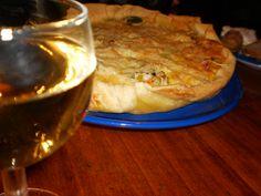 Courgettetaartje met een heerlijk glaasje wijn