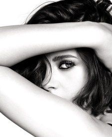 Kristen Stewart, sublime under the eyes of Mario Testino - . - catherine - Kristen Stewart, sublime under the eyes of Mario Testino – has… – catherine. Model Poses Photography, Self Portrait Photography, Photography Tutorials, Beauty Photography, Newborn Photography, Canon Photography, Photography Backdrops, Selfie Photography Ideas, Photography Contract