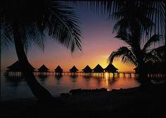Rangiroa - fabulous for romantic honeymoons and diving vacations