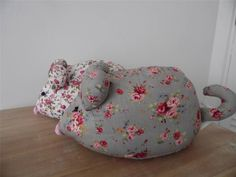 SHABBY COUNTRY CHIC FLORAL FABRIC MOUSE DOOR STOP - Grey or White Floral