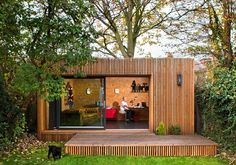 A backyard backyard studio is usually a shed or granny flat you put to good purpose by building or renovating it to serve as a studio. A backyard studio can be a better solution than converting a spare bedroom or… Continue Reading → Outdoor Office, Backyard Office, Backyard Studio, Backyard Sheds, Garden Office, Outdoor Rooms, Outdoor Living, Backyard Cabin, Modern Backyard