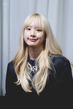 Yuehua Entertainment, Starship Entertainment, Kpop Girl Groups, Kpop Girls, Xuan Yi, Kim Hyun, Cheng Xiao, Cosmic Girls, Female Characters