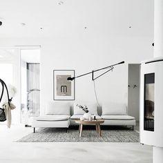 Tämän kodin sisustus näyttäytyy kauniin kepeänä ja rauhallisen pelkistettynä. Flos 265, Roomspiration, Lighting Design, Interior Inspiration, Living Room Furniture, Beautiful Homes, Ikea, Sweet Home, House Design