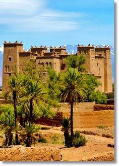 Castillos berberiscos construidos con ladrillos de barro y paja