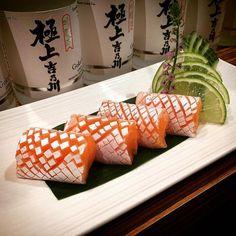 salmon toro sashimi by temakisushii Sushi Menu, Sushi Party, Sushi Chef, Arte Do Sushi, Sushi Comida, Dessert Chef, Japanese Food Sushi, Sashimi Sushi, Salmon And Shrimp