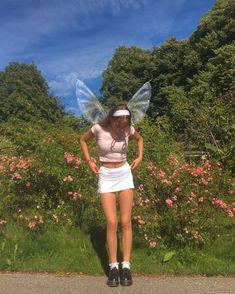 Fae Aesthetic, Fairy Photoshoot, Fairy Halloween Costumes, Estilo Indie, Fairy Clothes, Indie Girl, Halloween Disfraces, Pixies, Aesthetic Pictures