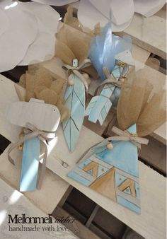 """Μπομπονιέρα Βάπτισης """"Τα όπλα"""" του Ινδιάνου Indiana, Decoupage, Gift Wrapping, Gifts, Gift Wrapping Paper, Presents, Wrapping Gifts, Favors, Wrap Gifts"""