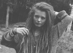 girl Black and White fashion beautiful hippie drugs lsd vintage portrait nature imagination retro wonderland naughty long hair we heart it dreads Bob Marley modern dreamer dreadlocks reggae rebel psycho insanity mother nature psychotic asylum cigarrete rebelion