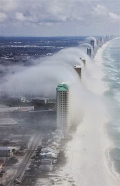 Cloud tsunami Pensacola, Florida