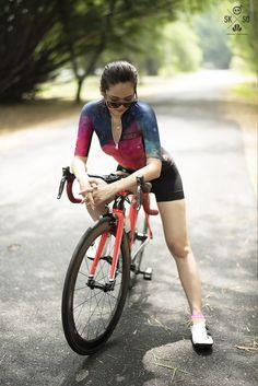 Skull woman cycling jersey : Universe
