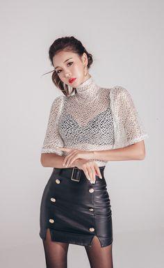 Lee Chae Eun leather skirt #koreanmodel #koreanbeauty #koreanfashion #model #beauty #fashion Asian Fashion, Girl Fashion, Fashion Women, Sexy Outfits, Fashion Outfits, Leather Dresses, Leather Skirts, Korean Model, Leather Fashion
