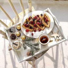Ostatni moment na późne śniadanie. A może na dworze?   .  .  #pancakes #pancake #flatlaytoday #flatlayforever #flatlaypoland #flatlaybreakfast #wintermorning #winterinpoland #śniadanie #późneśniadanie #zdrowesniadanie #myflatlay #myflatlay_com #cupoftea #teatime #teagram Pasta Salad, Waffles, Cheese, Photo And Video, Breakfast, Ethnic Recipes, Instagram, Food, Crab Pasta Salad