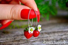 Cute Jewelry, Jewelry Gifts, Jewellery, Strawberry Farm, Vegan Gifts, Glass Earrings, Murano Glass, One Pic, Strawberries