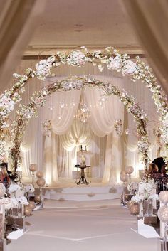 24 White Wedding Decoration Ideas ❤ See more: http://www.weddingforward.com/white-wedding-decoration-ideas/