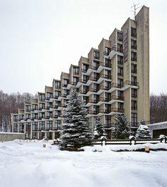 archivemodernarchitecture:Rosomak Hotel, Ustron, Poland,2006. © Nicolas Grospierresource