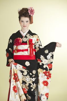 kuro - I want to wear this...and lots of other pretty things that aren't the norm in our culture...