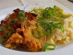 Smažená hlíva v kukuřičném těstíčku                                                    Z hlívy vybereme větší lístky, které mírně osolíme.Ze žloutků, kukuřičné mouky, sušeného česneku, špetky soli a vody vyšleháme těstíčko husté asi... Polish Recipes, Stuffed Mushrooms, Food And Drink, Veggies, Chicken, Meat, Dinner Ideas, Cooking, Stuff Mushrooms