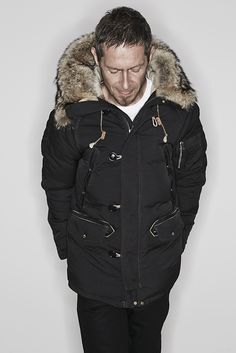 33 coat ¥360,000 tee ¥5,800 pants ¥29,000