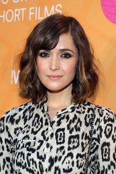 I could do this with my wavy hair. Rose Byrne  wavy bob with bangs