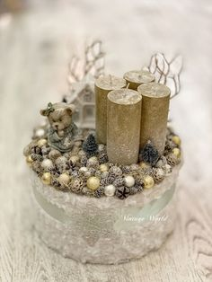 Winter Christmas, Christmas Wreaths, Christmas Candle Holders, Advent Wreath, Theme Noel, Christmas Table Decorations, Snow Globes, Centerpieces, Creations