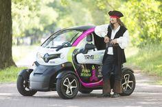 Pojazd elektryczny użyczają firmy Centrum Pojazdów Elektrycznych TrybEco oraz Przyguccy Inter-Car.