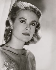 Grace Kelly in High Society Old Hollywood Actresses, Hollywood Icons, Golden Age Of Hollywood, Hollywood Glamour, Hollywood Stars, Grace Kelly Mode, Grace Kelly Style, Princesa Grace Kelly, Patricia Kelly